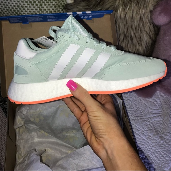 size 40 7cd02 25258 Women s Adidas Shoes I-5923